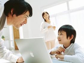 幼少期からの英語力の習得を目指して、昨今ではさまざまな英会話教室が誕生している