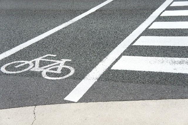 【画像】横断歩道と自転車マーク