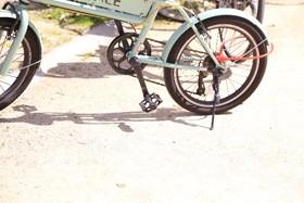 【画像】路上に停められた自転車