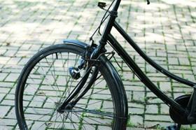 【画像】路上の自転車