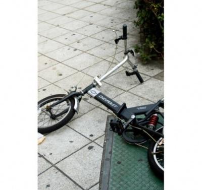 【画像】倒れた自転車