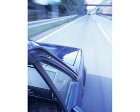 【画像】高速道路を走る自動車