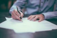 自動車保険の手続きにかかわる必要書類の使い方と重要性
