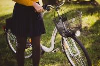 自転車走行中や歩行中にでも使える自動車保険の活用方法