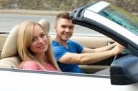 年齢で変わる自動車保険のお得な契約方法とは?