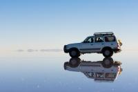 自動車保険選びの「決め手」になるのは価格か補償内容か?