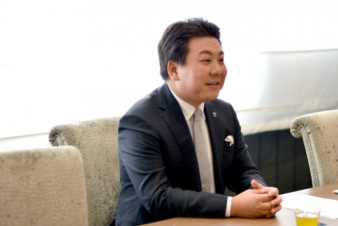 お話を伺ったベスト-アニバーサリーの塚田健斗代表取締役社長