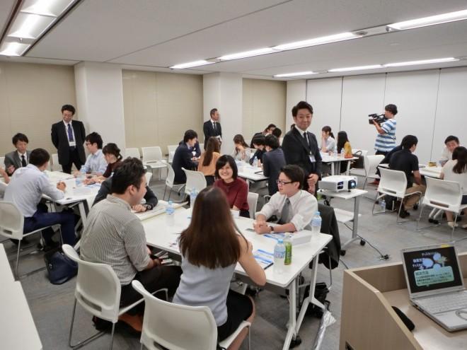 アルムナイ会合の様子(提供:東京個別指導学院)